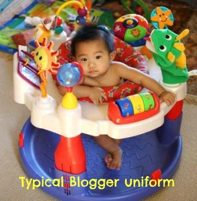 Typical Blogger Uniform